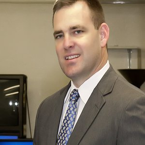 Photo of Dr. Aaron Smith